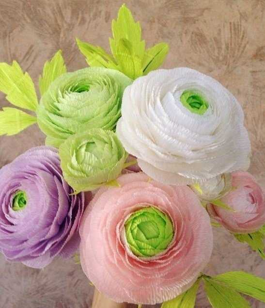 Маленькие цветы из гофрированной бумаги своими руками фото 287